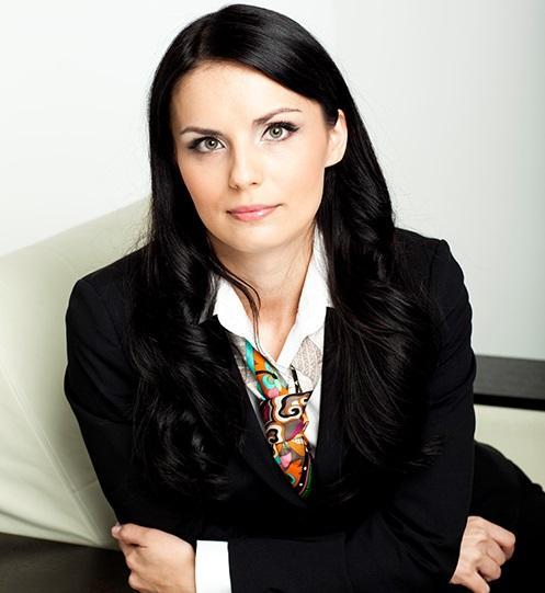 Алена Голзицкая Психолог, системный семейный терапевт, действительный член Профессиональной психотерапевтической лиги, дипломированный специалист в области решения личностных проблем. Младший научный сотрудник лаборатории консультативной психологии и психотерапии ПИ РАО.