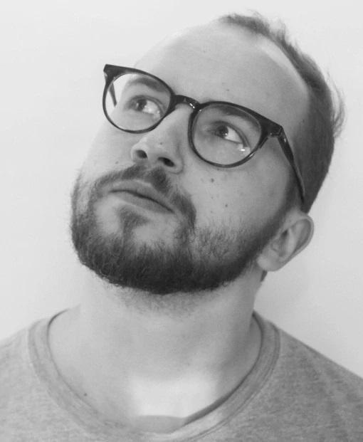 Андрей Мельниченко Тимлид методического центра «Яндекс.Практикума». Разрабатывал курсы для b2b и b2c клиентов в «ИКРЕ». Создавал образовательные программы в компании «Нетология» в качестве педагога-дизайнера. Обладает компетенцией и опытом работы в рекламной и киноиндустрии, высшем онлайн-образовании. Он специализируется на генерации идей, определении и проектировании пути обучающегося.