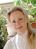 Ирина - имеет опыт преподавания итальянского и английского языка студентам всех возрастов и уровней. Обладает знаниями бизнес-терминологии, технического языка, долгие годы использует итальянский в повседневной жизни. Ирина работала с детьми в школе, в том числе и детским психологом. В преподавании базируется на аутентичных учебных материалах.