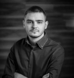 Максим Васянович.Разработчик-фрилансер Веб-разработчик, занимается программированием 4 года. Он создал более 50 коммерческих проектов.