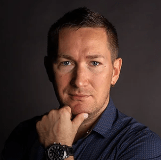 Павел Семенов Руководитель агентства RoyalPro. В маркетинге с 2013 года. В преподавании с 2015 года. Выпустил более 600 студентов.