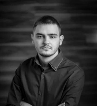 Максим Васянович.Разработчик-фрилансер. Веб-разработчик, занимается программированием 4 года. Он создал более 50 коммерческих проектов.