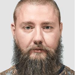 Артём Горбунов Арт‑директор и автор учебных программ бюро.