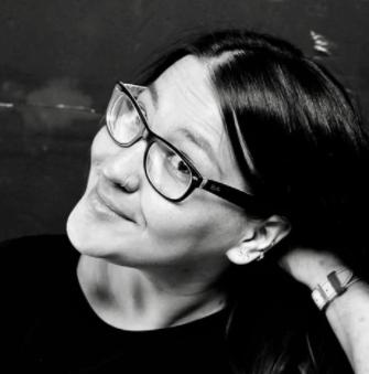 Ксения Белинская. Основатель бренда детской мебели LITTLE STREET. Окончила Московский архитектурный институт и Университетский центр Иудеи и Самарии в Израиле. Участница Миланской недели дизайна и Венецианской биеннале, член Клуба промышленных дизайнеров.